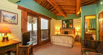 Colorado Hotel With Private Hot Tubs Deluxe Rooms At Chipeta Resort