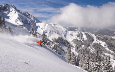 COLORADO SKI SEASON IS BACK AND THE SNOW IS AMAZING!